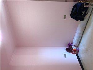 梨花园3室2厅2卫33万元