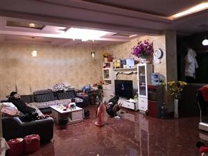楼房出售:位于会东县渔山6队(气象站旁),500多平米两层楼楼中楼精装修,带所有家具。双证齐全,70...