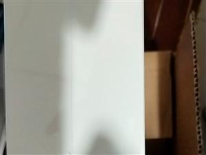 全新未开封大疆无人机出售,淘宝3299元,处理价格2980元。