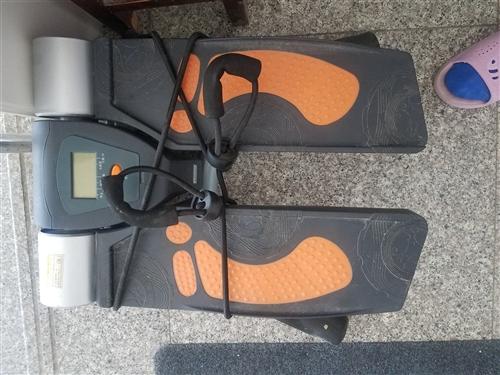踏步機一個,電視柜和茶幾三件商品只賣1000元有意者速速搶購