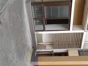 印象南溪2室2厅1卫带140平米露台68万元