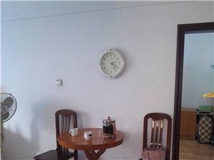 实验小学附近3室1厅1卫700元/月
