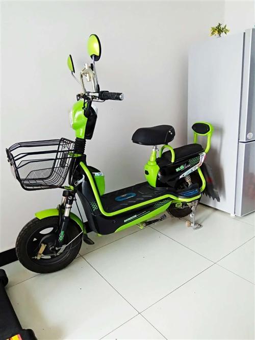 几乎全新电动车,续航能力70公里,质量可靠,外形漂亮,买的全新的,没怎么骑,现低价甩卖!QQ1302...