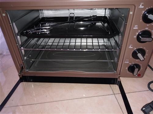 海氏家用电烤箱,九九新,200元,图中配具都带,配具都是新的,没用过,限白城市,二环内免费送到家,二...