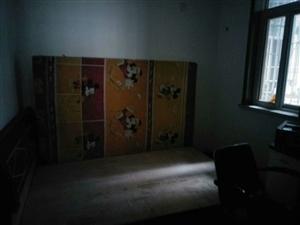 滨河丽都3室2厅1卫52万元