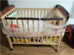小硕士的摇床,几乎全新,宝宝不爱睡。放在家里又碍事。床围免费送!