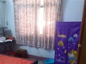二手房   27万    三室两厅    位于河婆街道   新竹苑   翠园食坊旁边小区2栋102室...