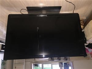 长虹电视,45英寸,九成新。价格便宜,电话联系