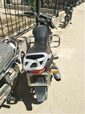 出售二手摩托,改装排气筒,粉色闪尾灯,轮毂喷漆,磨砂闪点车身