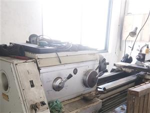 出售沈阳6140车床,一米床面,九成新,价格面议,联系电话:13831130493   徐先生(微信...