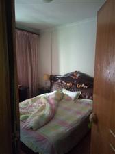 民中3室2厅1卫900元/月