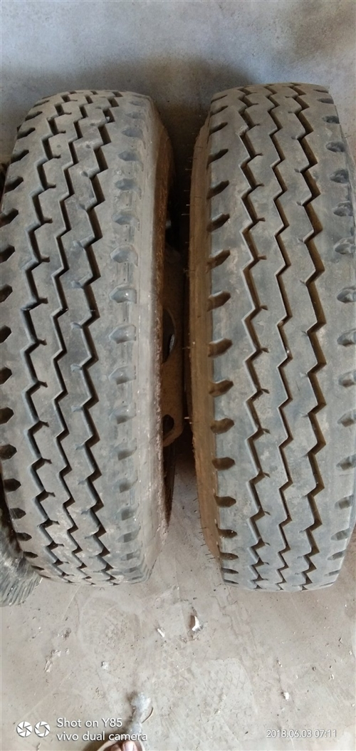 出售九成新750-16轮胎两只带锅子