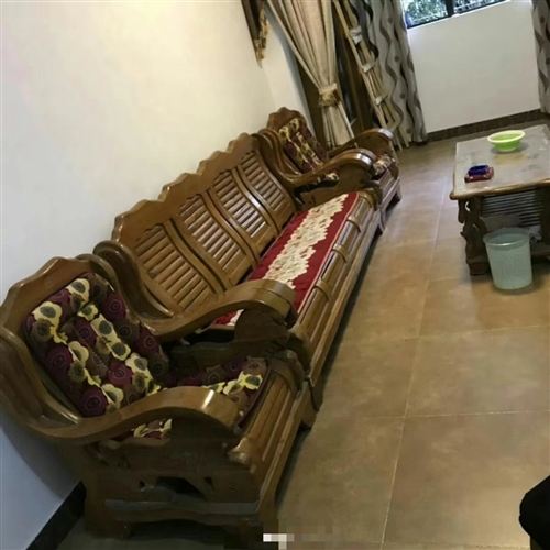 收購一套類似沙發,帶長、方茶幾為佳,聯系電話13996888466