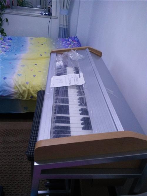 双排键电子琴,使用一年和新琴差不多,低价处理掉,交易地址莒县