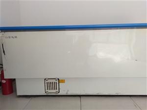 白雪冰柜,长两米,玻璃门,正使用中,腾地方,低价出售