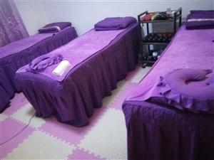 沙发,茶几,按摩床,买了半年了,原价4500买的,现价沙发加茶几3000元,有需要的联系我
