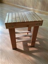 出售四个全新实木凳子