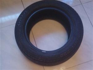 佳通轮胎一只,才跑二千公里。型号185/60r15 淅川牌轿车前减震一对,买来只拆开了包装,全新...