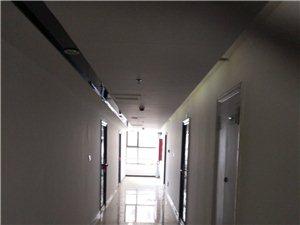 迷你港湾商住两用写字楼2厅2卫3000元/月