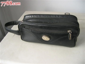 本人突然怀旧起来,有意购买一个老式大哥大的手提包(如图),如你手里有这种东西并原意出售,请与我联系,...