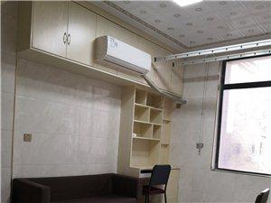 汇金广场(高士路)1室1厅1卫1300元/月