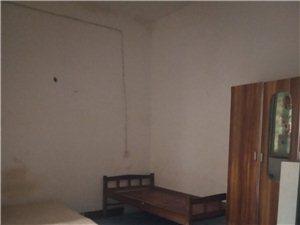 红光花苑对面1室0厅1卫400元/月