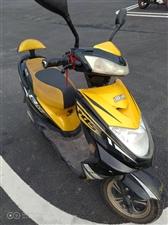 60v雅迪电动车,前后全新真空胎,电瓶才换一个多月,续航一个人骑五十公里以上,车在青杠,有意联系看车...