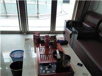 九成新沙发茶几全部处理,没有任何磕碰和刮痕,用的很爱惜,一共使用了两个月