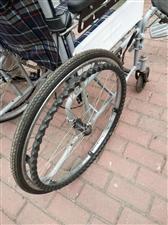 此轮椅能躺能做,九成新!外观大气。行驶轻巧方便,结实耐磨,有意者电话联络