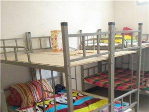輔導班桌子15張,登子30個,床10張轉讓
