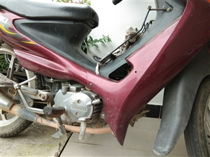 出售一张轻骑铃木摩托车5年时间2万多公里没有维修,因为不经常骑所以想卖,价格可以商量