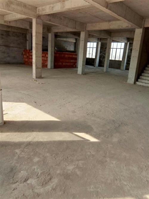 现有一套全自动水泥砖机出售!设备完好无损,可正常生产!如有需要此设备的可电话联系看设备,价格面议!另...