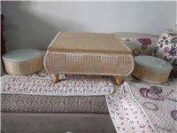 榻榻米桌,60X60的,竹木,带园凳2个,全新