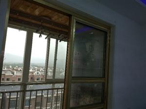 天鹅湖小区一期小高层2室2厅1卫