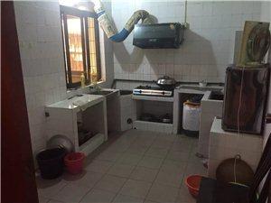 老隆新菜市旁边4室2厅1卫800元/月
