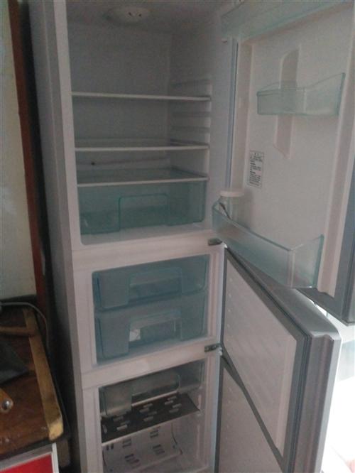 海尔冰箱,三开门,高1.7m