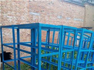 汽修,五金店,装修店可用,40角铁焊的带松木架板,铁价出售