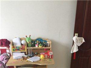 儿童书桌,九成新,宝宝大班用了一学期,搬家处理,30拿走,