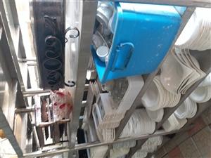 大量澳门美高梅官网餐具,厨具,价格面议。