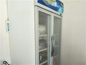 双开门饮料展示柜开店用了几个月,买来三千多现便宜处理1500,东西最少9成新。 联系电话18827...