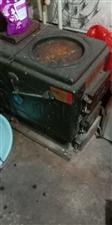 低价出售锅炉带暖气片 暖气片四片 每片24组,地址安国人参小区,电话13653226189