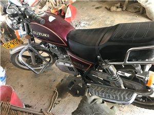 铃木125-2舒适型摩托车八成新证件齐全 过户费自理