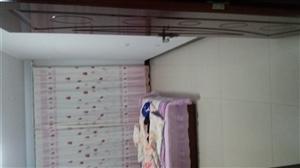 天祥贵都小区楼房出售,80平米,大红本可以过户,六层电话:18332106638