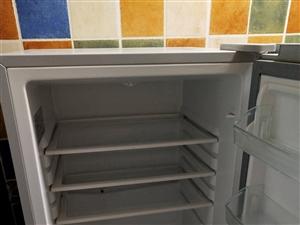 因搬新家出售二手海尔冰箱一台,7成新,因平时比较爱惜无任何维修。价格可以商量!地址,景观33。   ...