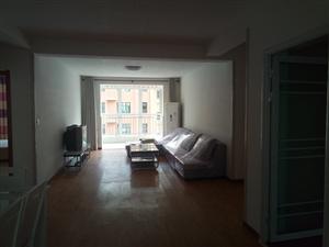 金厦华府3室2厅2卫首次出租(长期出租)