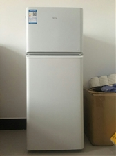 mini家用小冰箱,TCL,使用一年,九成新,和新的一样,现低价处理,给钱就卖,