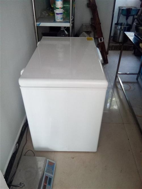 海尔冰柜,318升,用了一个月。凡萨帝冷柜,用了一个月。急出手。