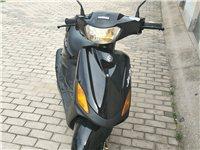 雅马哈巧格100摩托车转让,车况好,八成新,有意者联系13626353099,非诚勿扰。