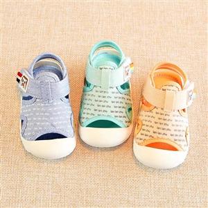 拉拉猪品牌鞋,全新,19码,内长13厘米。给宝宝买大了,谁需要,澄城县区域赔钱25元转卖。