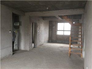 天鹅湖小区4室2厅1卫82.5万元